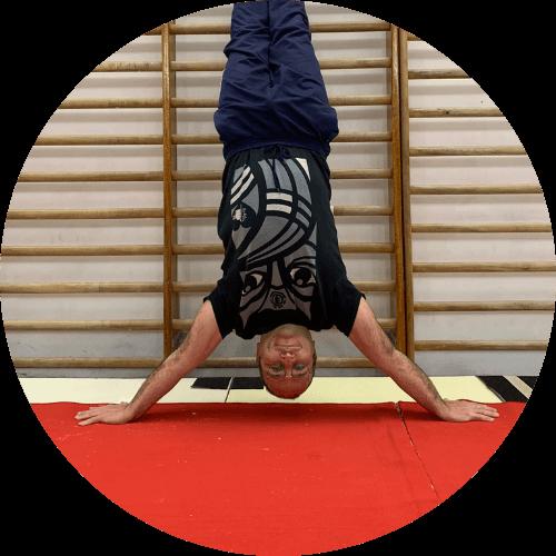 Tommaso Landini, insegnante di acrobatica