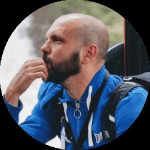 Vincenzo Calenzo, presidente dell'Associazione, membro del direttivo, attore, pedagogista, insegnante di teatro
